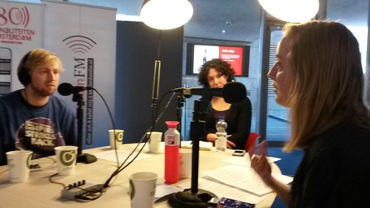 Bij Radio Swammerdam met presentator Lieven Heeremans. Foto: Karin van Es.